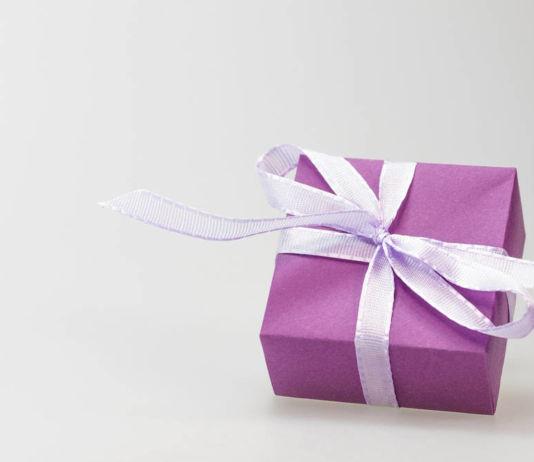 Jaki prezent dla niej? Co kupić dziewczynie na prezent?