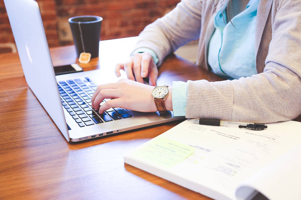 Praca w domu i zarabianie przez internet: 12 pomysłów (Oferty, Zarobki)