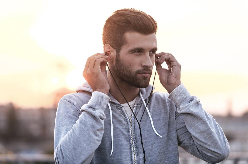 Bluzy męskie - praktyczność ponad wszystko